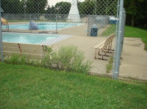 08-20-2018 X CITY POOL INSIDE FENCE WEEDS VIOLATION